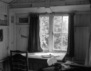 Dylan Thomas_writing shed by (c)Geoff Charles